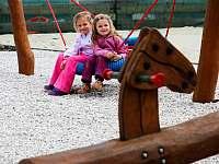 Dětské hřiště - Dolní Lomná