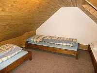 Podkrovní ložnice - Dolní Lomná