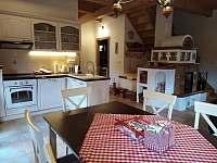 Kuchyňka - chalupa k pronájmu Velké Karlovice