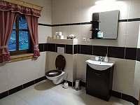 Vrchní koupelna - pronájem chalupy Velké Karlovice