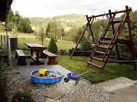 Dětské hřiště, posezení