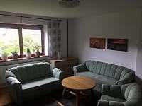 dolní apartmán-obývací pokoj - k pronajmutí Halenkov