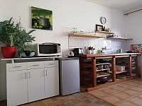 horní apartmán-kuchyň - k pronajmutí Halenkov