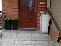 vchod do domu - apartmán ubytování Halenkov