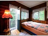 Ložnice s balkónem - odtud je krásný výhled na okolní hory - chata ubytování Visalaje