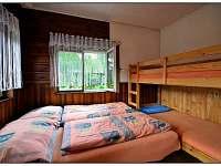 V každé ložnici je dvojlůžko a poschoďovka - chata k pronájmu Visalaje