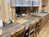 Kuchyňka - chata k pronájmu Velké Karlovice