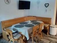 jídelna malý apartmán - chalupa k pronájmu Velké Karlovice