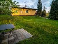 Pohled ze zahrady 1 - chalupa ubytování Lubno