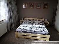 ložnice (3 lůžka) - chalupa k pronajmutí Čeladná