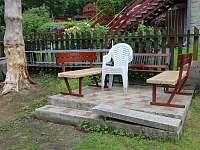 venkovní posezení - pronájem chaty Čeladná
