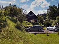 Parkoviště a celkový pohled - chata ubytování Nový Hrozenkov