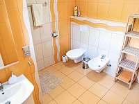 Koupelna v přízemí - pronájem chaty Frenštát pod Radhoštěm