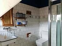 Koupelna podkroví - chalupa k pronájmu Nový Hrozenkov