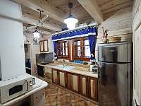 Kuchyně - chalupa k pronajmutí Nový Hrozenkov
