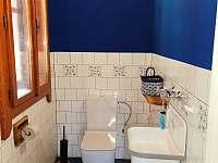 WC přízemí - chalupa k pronájmu Nový Hrozenkov