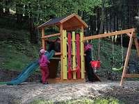 dětské hřiště - chata ubytování Malenovice