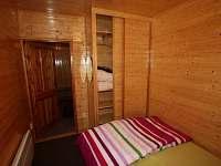 postel 140x200 - chata k pronajmutí Malenovice