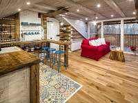 """Apartmán """"Nebe"""" obývací část a kuchyňský kout - rekreační dům k pronajmutí Dolní Lomná"""