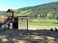 Okolí - dětské hřiště u Balatonu