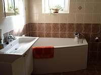 malý apartmán_koupelna - chalupa k pronajmutí Hutisko Solanec