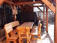 velký apartmán_kryté posezení - chalupa k pronájmu Hutisko Solanec