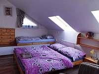 velký apartmán_ložnice v podkroví - Hutisko Solanec
