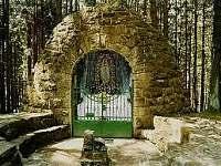 Lurdská jeskyně - Hrčava