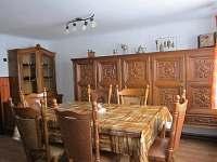 Obývací pokoj - chalupa k pronájmu Hrčava