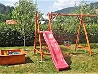 Dětské hřiště - pronájem apartmánu Velké Karlovice