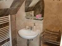 koupelna - chalupa k pronajmutí Nový Hrozenkov