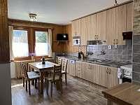 kuchyň - chalupa k pronájmu Nový Hrozenkov