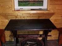 Veranda s posezením - pronájem chalupy Huslenky