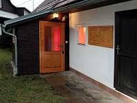 Vstupní veranda - chalupa k pronájmu Huslenky
