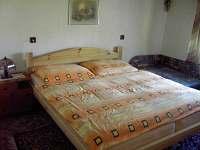 Manželská ložnice na Vejmínku - chalupa ubytování Nový Hrozenkov
