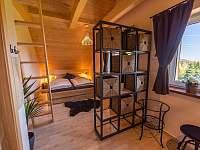 pokoj č.3 se dvěma manželskýma postelema a možnosti spaní 2 osob v podkroví - Kunčice pod Ondřejníkem