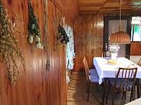 Bylinkové dekorace v jídelně - chata k pronájmu Frýdlant nad Ostravicí