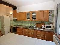 Kuchyň - chata k pronájmu Valašské Klobouky