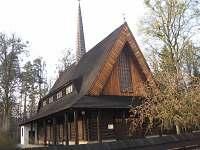 Okolí - kostel v Rožnově p.R. - chalupa ubytování Horní Bečva