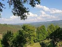 výhled z okna - chata k pronájmu Huslenky