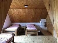 Ložnice pro 3 osoby - Bzové