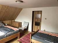 Ložnice pro 4 osoby - pronájem chalupy Bzové