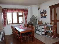 kuchyň s funkčními kamny