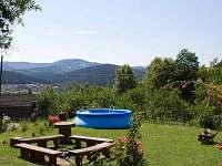 ohniště a bazén - chalupa ubytování Halenkov