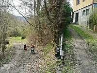 děti u chaty - k pronájmu Hluboče