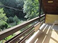 Horní terasa - pronájem chaty Hluboče