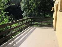Spodní terasa - Hluboče