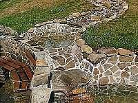 jezírka s potokem - pronájem chalupy Kunčice pod Ondřejníkem