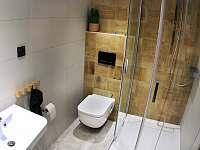 koupelna s WC v 1.patře - Dolní Lomná