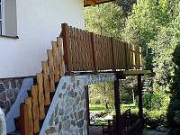 Schody na terasu - chata ubytování Visalaje
